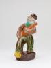 Amp Smit voor N.V. Koninklijke Plateelbakkerij Zuid-Holland, Man met gitaar, 1929-1930 - Amp (A.T.) Smit