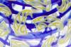 Olaf Stevens, Leerdam Unica, Blauwe kom met gele decoratie, uitvoering Henk Verwey, 1995 - Olaf Stevens