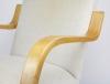 Alvar Aalto, Fauteuil met berkenhouten armleuningen, vroege editie model 402, ontwerp 1933, uitvoering Artek Company - Alvar Aalto