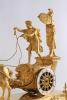 Een fraaie Franse Empire verguld bronzen zegewagen pendule, door Le Roy, omstreeks 1800