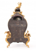 Een kleine Franse Louis XV boulle consoleklok, Melot A Paris, circa 1750