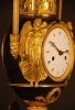 PV04 Vaseshape mantelclock with gilt and patina case