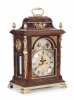 A GEORGE III MAHOGANY AND GILT MOUNTED ENGLISCH BRACKET CLOCK