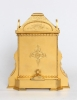 Een Engels gegraveerd 'Cole type' verguld tafelklokje, Manoah Rhodes, circa 1860