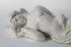 Hildo Krop, Liggende vrouw, witgeglazuurde roodbakkende chamotte, 1939 - Hildo (H.L.) Krop