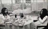 5 - John Lennon & Yoko  Ono, kamer 902, Hilton Amsterdam - 1969