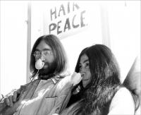 9  - John Lennon and Yoko Ono Hilton Amsterdam, Maart 1969, kamer 902