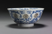Underglaze blue and red bowl with dragon and lotus design, China Kangxi ceramics