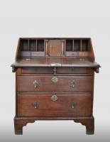 English bureau, 18th century.