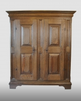 German cupboard, oak. First half 18th century.