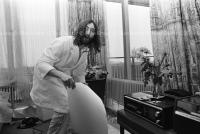John Lennon & Yoko Ono - PEACE - Room 902 Hilton #18