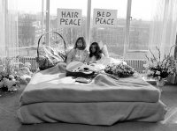 John Lennon & Yoko Ono - PEACE - Room 902 Hilton #21