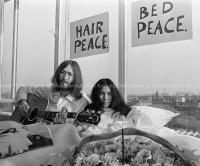 John Lennon & Yoko Ono - PEACE - Room 902 Hilton #7