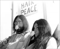 John Lennon & Yoko Ono - PEACE - Room 902 Hilton #1