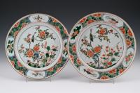 Een paar fraaie  Chinese Famille Verte borden