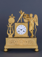 A French ormolu bronze mantel clock Le Paute à Paris