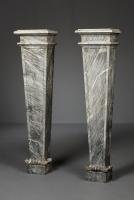 Paar Italiaanse Bardiglio marmeren consoles