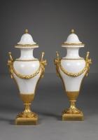 Paar Franse Marmeren Louis XVI Vazen