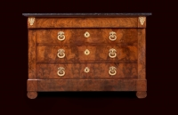 MAHOGANY COMMODE WITH ORMOLU BRONZE FITTINGS