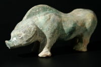 An eathenware boar