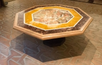 Octagonal low table in different types of marble, 18th century, Italy
