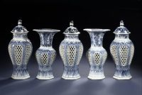 Kangxi Blue and white porcelain Devil's work Garniture Chinese Ceramics