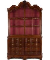 Een Teakhouten Louis XIV Pronkkast