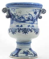 A Urn-shaped Jardinière in Blue and White Dutch Delftware - Geertruy Verstelle