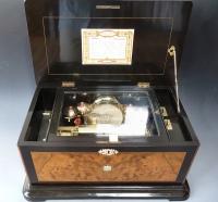 Zwitserse cilinder speeldoos met 4  bellen en trommel, Nicole Frères, no 47086, circa 1885.