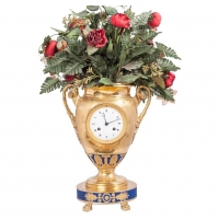 Decorative Paris Porcelain Urn Clock, circa 1810