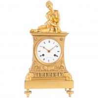 Very Charming Empire Mental Clock on Top Elegant Lady Playing the Dices