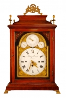 BR11 Bracket clock with perpetual calendar