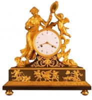 M28 Gilt bronze mantle clock of excelent quality