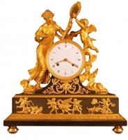 M28 Gilt bronze mantle clock of excelent quality