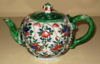 Chinese porcelain famille verte teapot lotus shape. Qing Dynasty Kangxi period ceramics