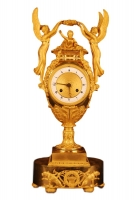 M60 Gilt bronze vase shape mantle clock