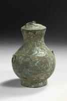 Bronzen Hu met koude beschildering en een groene patina, Han dynasty Chinese archaische bronzen.