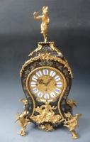 Een aantrekkelijke klok met Boulle marqueterie, vuur-vergulde ornamenten, Oostenrijk c. 1850