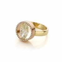 18 karaat rood en geelgouden ring met ovale diamant (2.11ct)