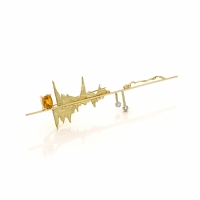 Yellow gold brooch with orange garnet and diamonds