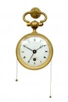 Een Frans Empire verguld en gepatineerd bronzen pendule d'officier met kwartierrepetitie en wekker, Jacquin