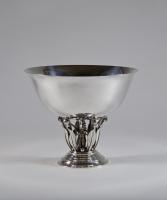 Johan Rohde voor Atelier Georg Jensen, gehamerd zilver, model no. 196, ontwerp 1916, uitgevoerd 1916-1919 - Johan Rohde