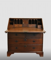 Small English secretaire, 18th century.