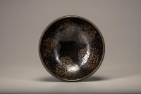 A large 'oil spot' decorated bowl