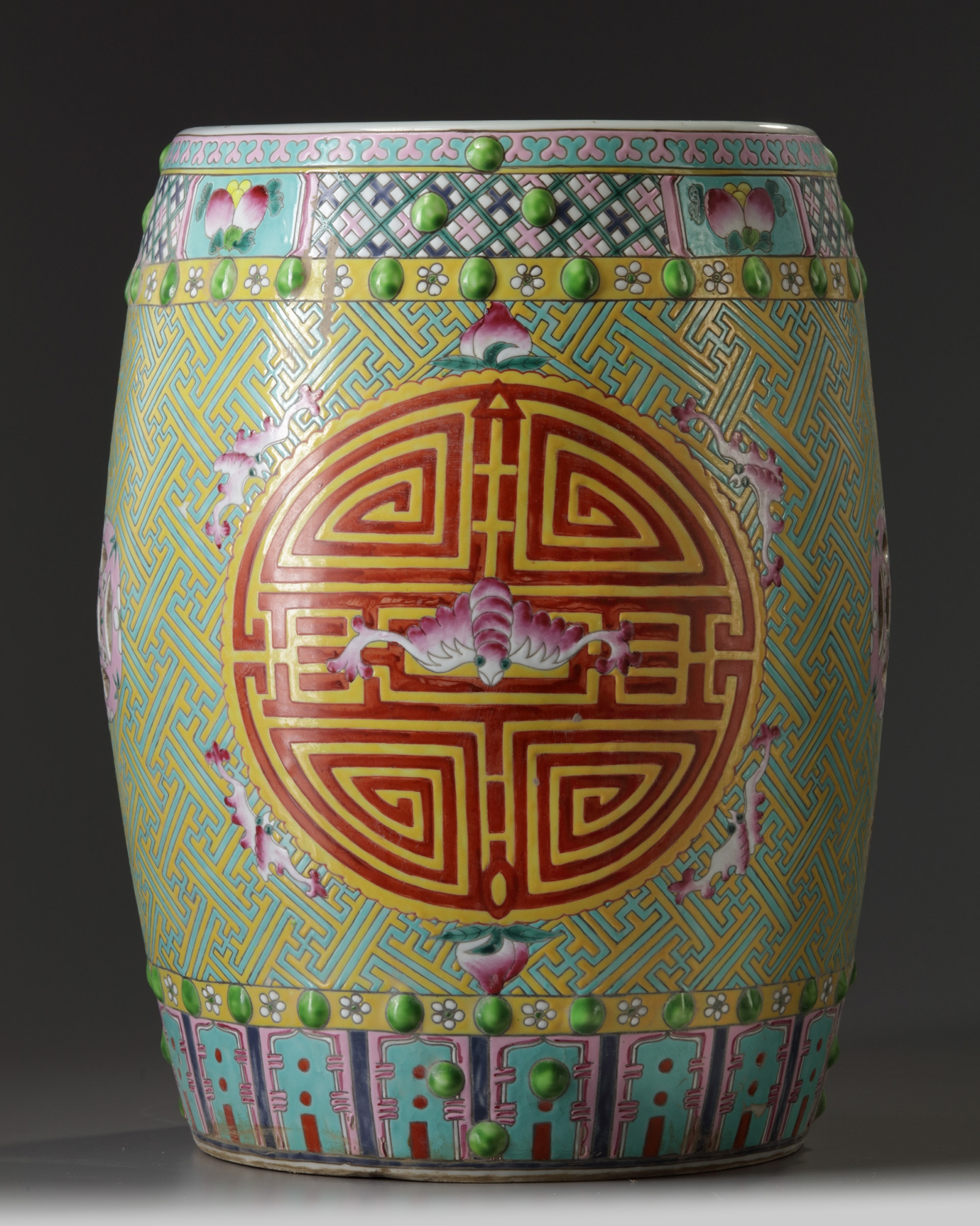 A large Chinese famille rose garden seat | OAA