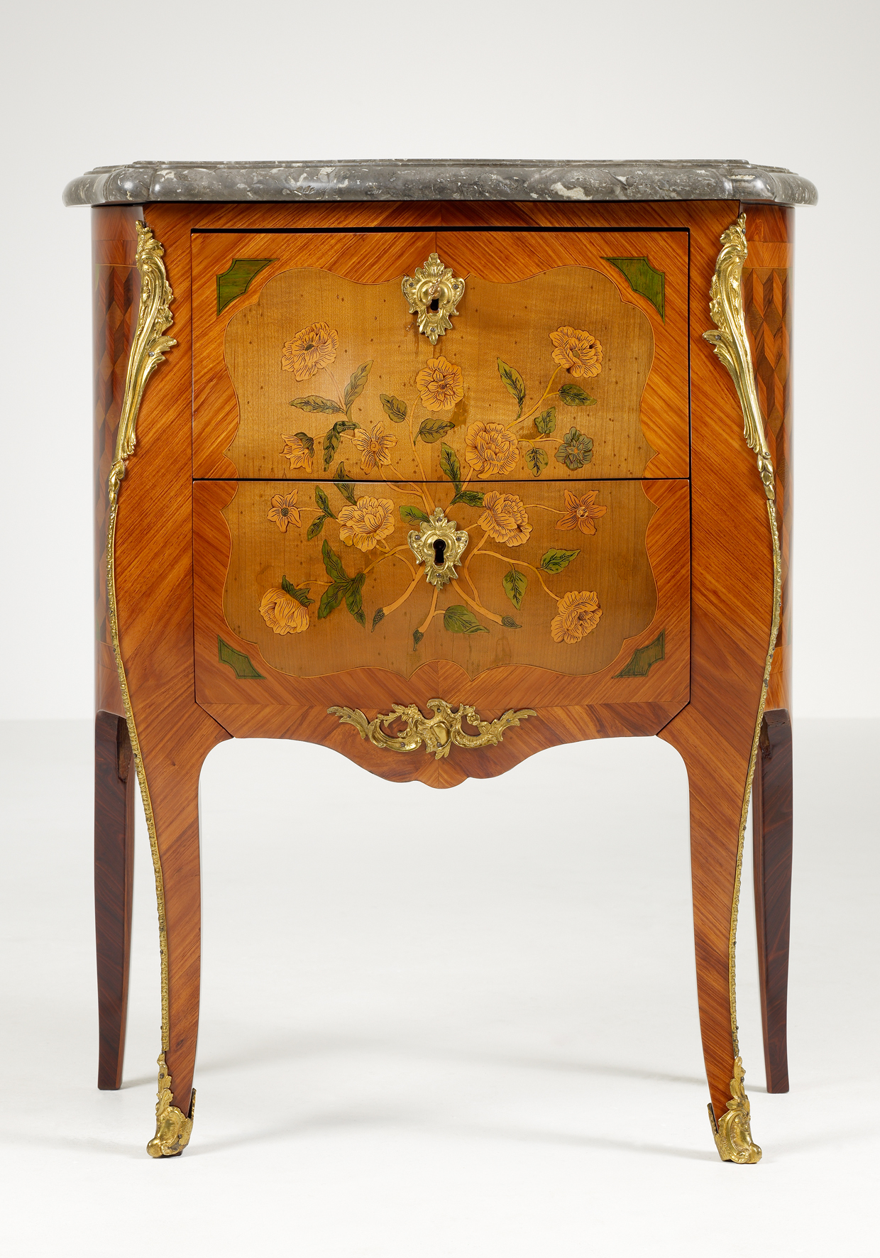 small french louis xv commode artlistings. Black Bedroom Furniture Sets. Home Design Ideas
