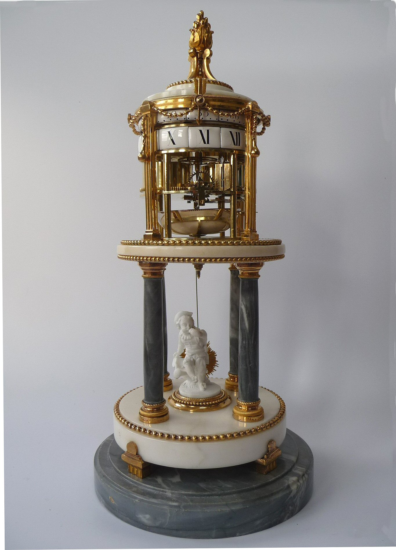 An Attractive Temple De L Amour Pendule 224 Cercles