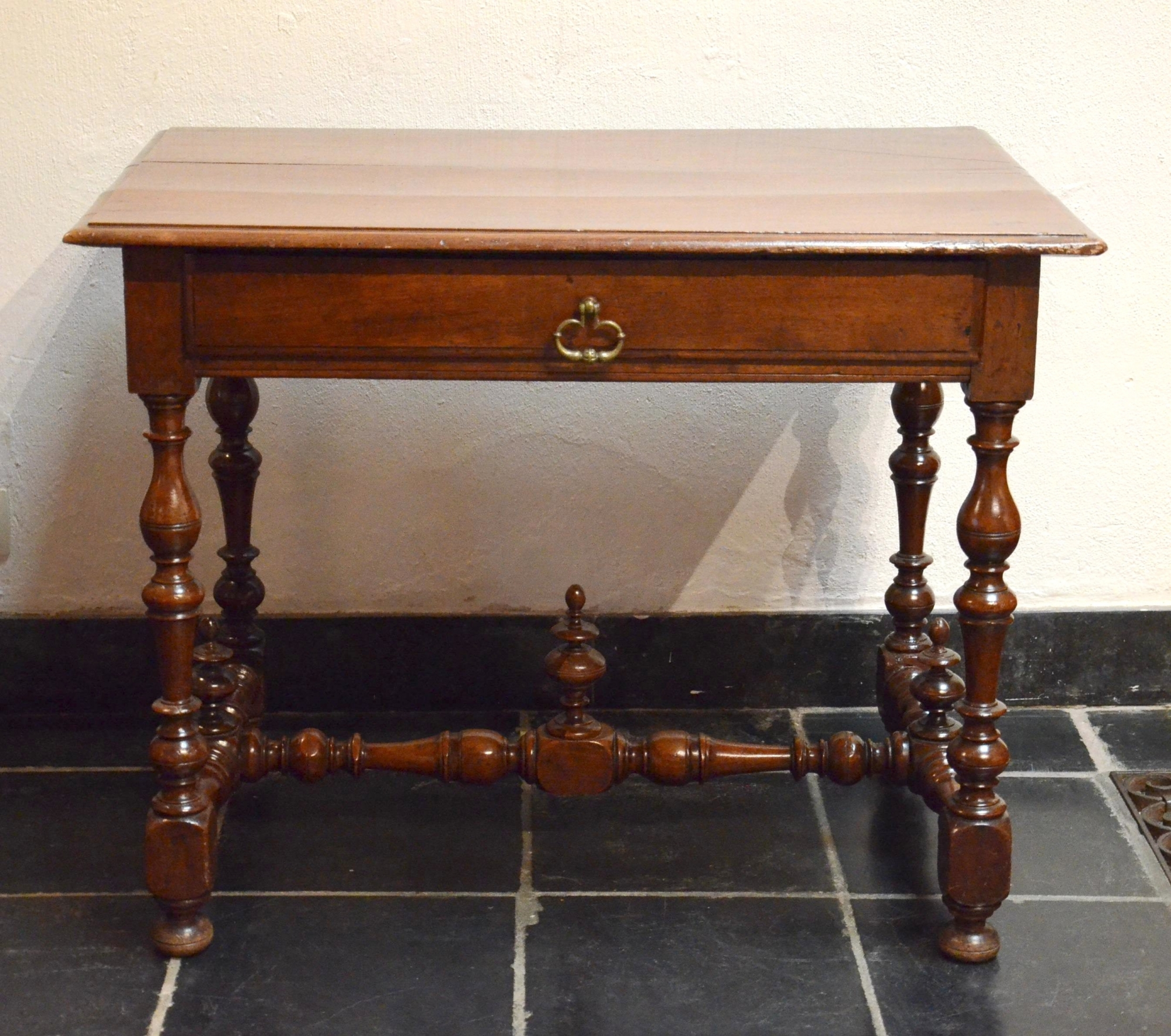 table with drawer france 17th century louis xiii. Black Bedroom Furniture Sets. Home Design Ideas
