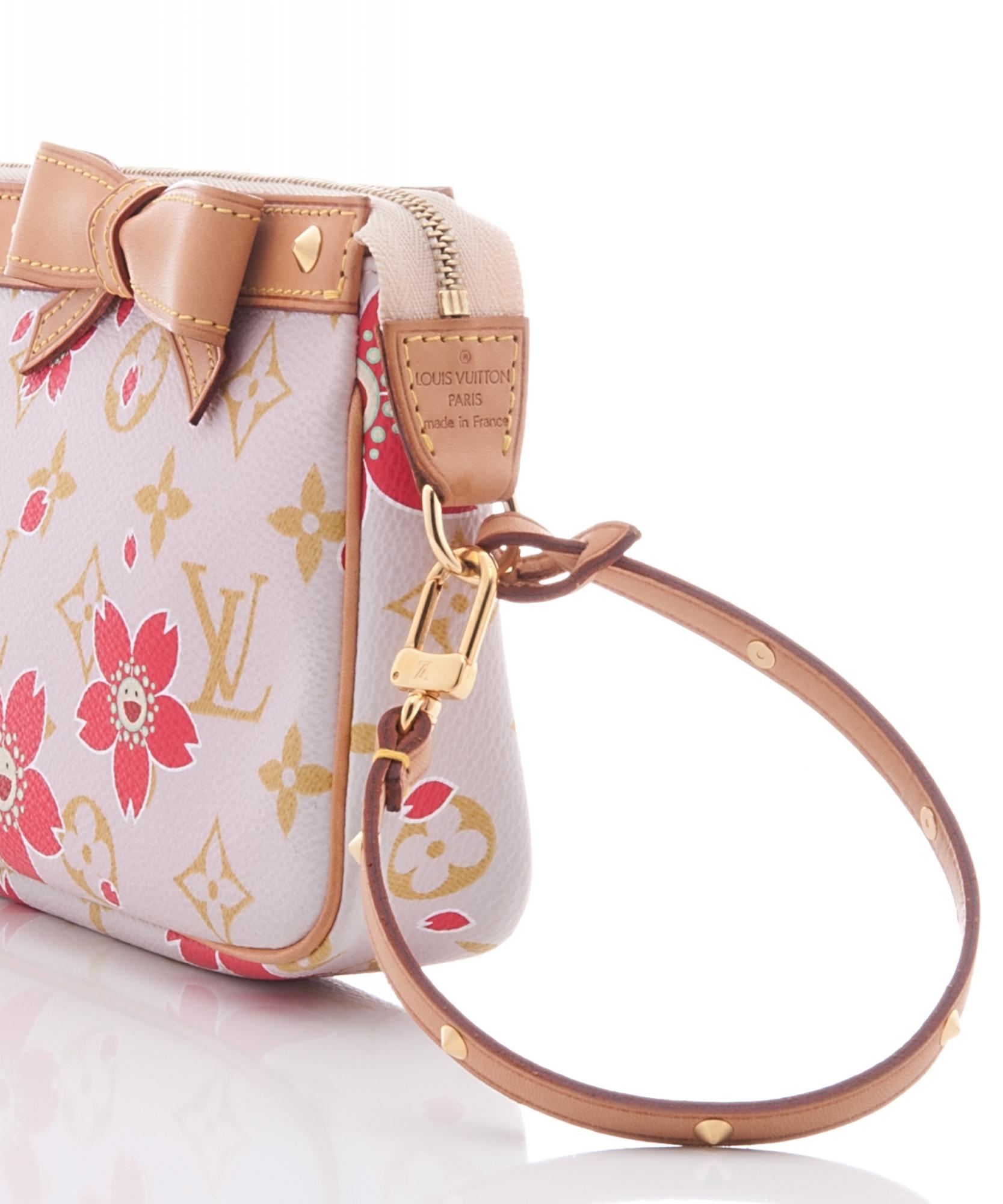 ... Louis Vuitton Pochette Handbag 9f39e96137e29