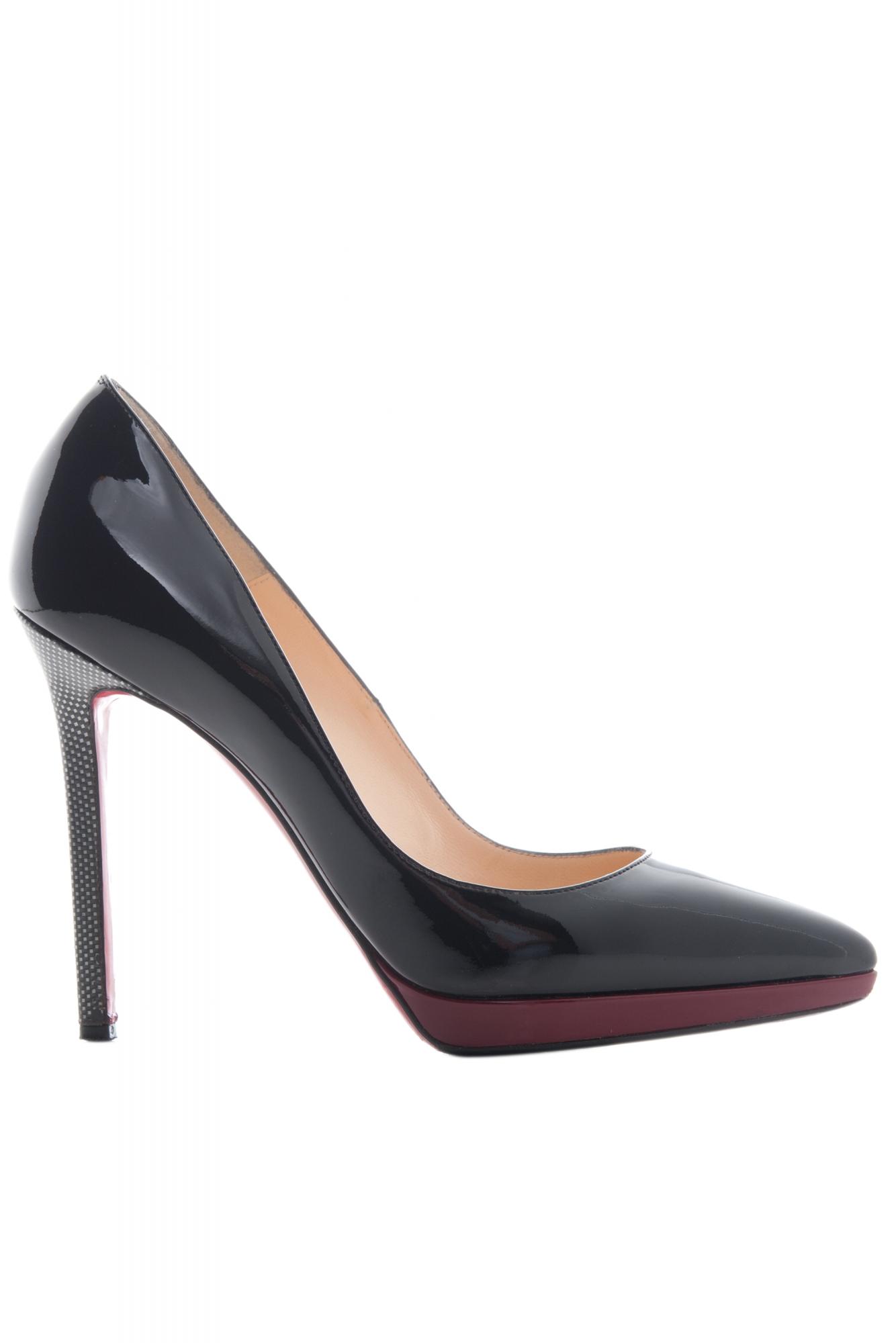 0d52d6ce68db Christian Louboutin  Pigalle Plato  Pumps in Black Patent Leather ...